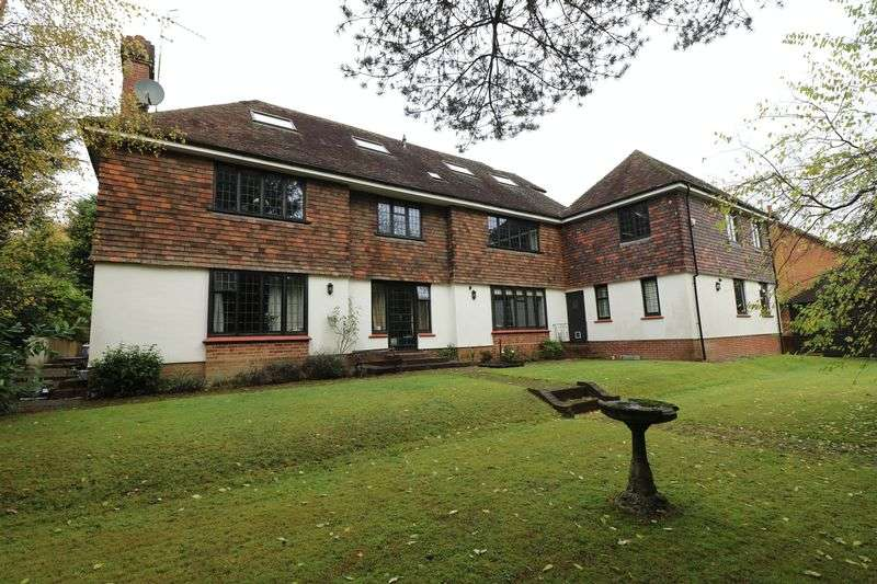 2 Bedrooms Flat for sale in Warwick Park, Tunbridge Wells