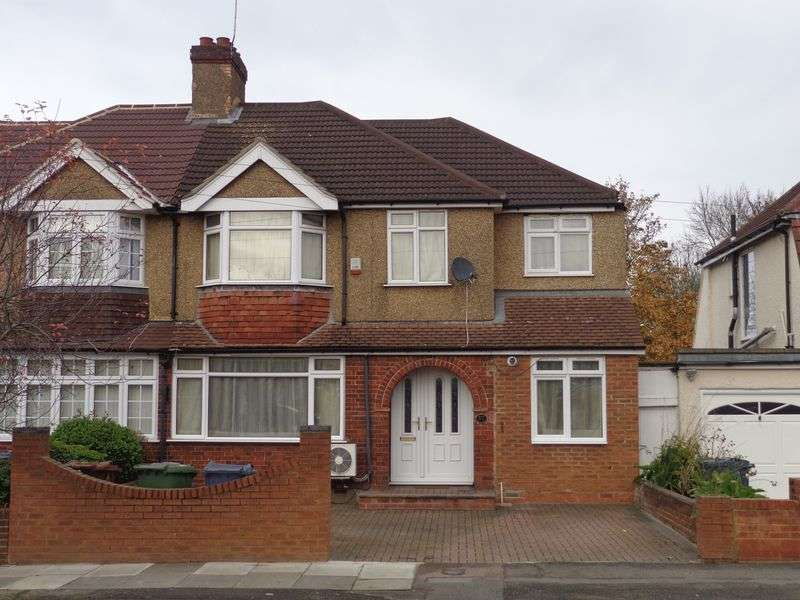 5 Bedrooms Semi Detached House for sale in High Worple, Harrow