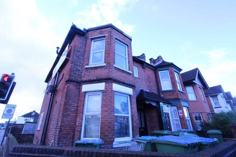 Flat for rent in Bitterne Road West, Southampton, SO18