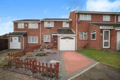 3 Bedrooms Terraced House for sale in Dunsmore Road, Luton, Bedfordshire