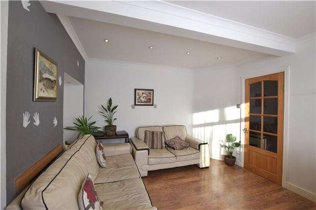 2 Bedrooms Terraced House for sale in Darley Gardens, MORDEN, Surrey, SM4 6QF