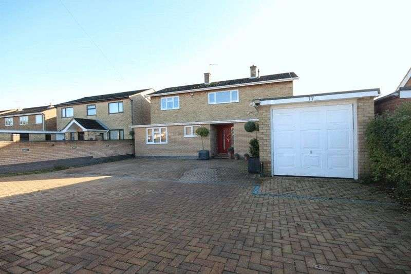 5 Bedrooms Detached House for sale in Bernham Road, Norwich