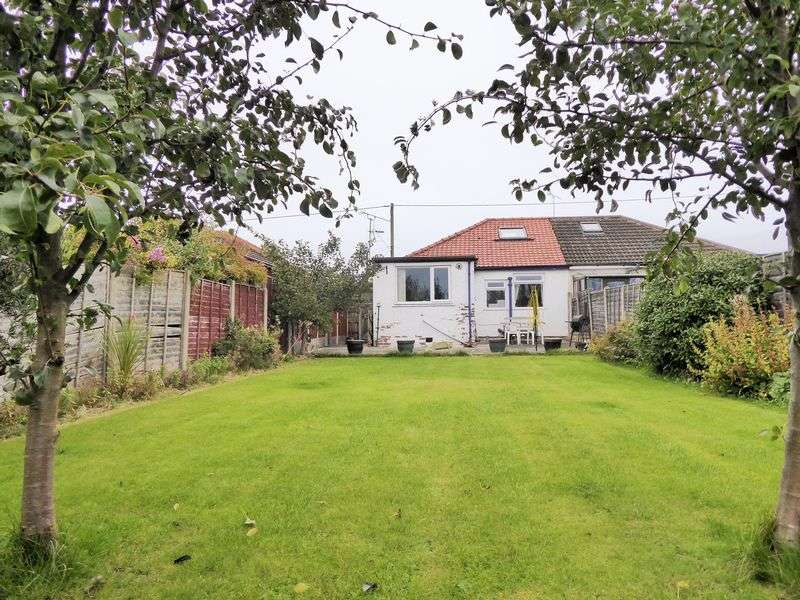2 Bedrooms Semi Detached Bungalow for sale in New Lane Pace, Banks, Southport