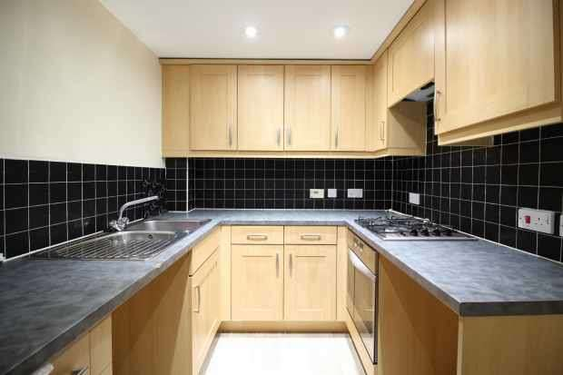 2 Bedrooms Apartment Flat for sale in Greenfield Road, Adlington, Lancashire, PR6 9NB