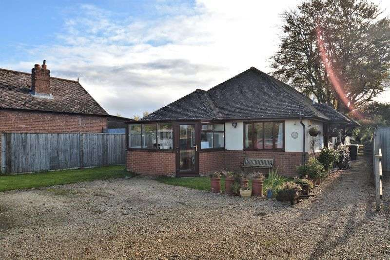 3 Bedrooms Detached Bungalow for sale in Didcot Road, Harwell