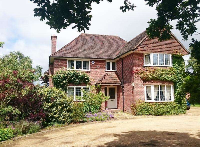 4 Bedrooms Detached House for sale in Sky End Lane, LYMINGTON, SO41