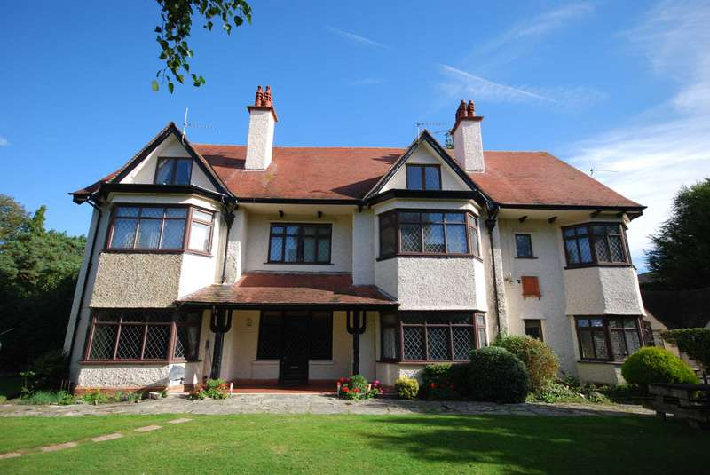 3 Bedrooms Duplex Flat for sale in BH2 St Anthoy`s Road, Meyrick Park
