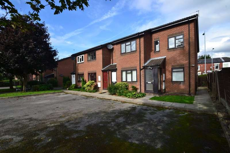 2 Bedrooms Flat for sale in Howarth Court, 250 Buxton Road, Great Moor, Stockport SK2 7AN
