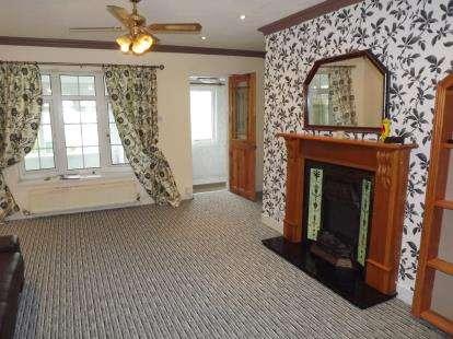 3 Bedrooms Semi Detached House for sale in Lon Cilgwyn, Caernarfon, Gwynedd, LL55