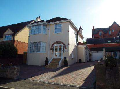 4 Bedrooms Detached House for sale in Rivieres Avenue, Colwyn Bay, Conwy, LL29