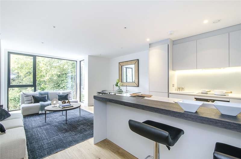 3 Bedrooms Flat for sale in Dyers Lane, Putney, London, SW15
