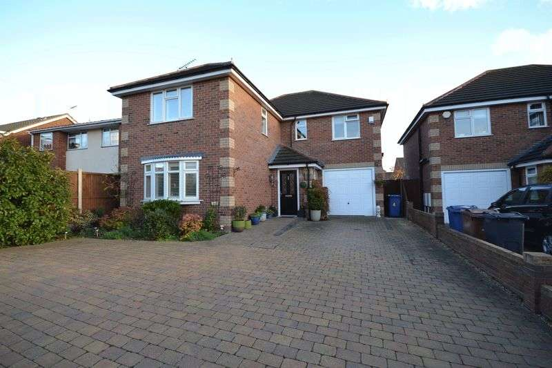 4 Bedrooms Detached House for sale in Leonard Mews, Stanford-Le-Hope