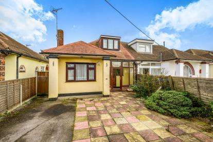 3 Bedrooms Bungalow for sale in Rochford, Essex