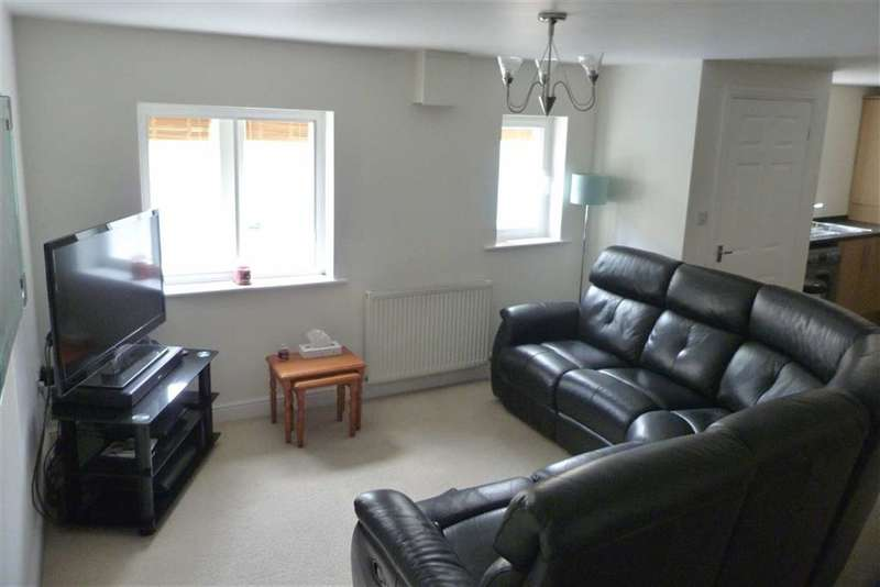 2 Bedrooms Property for sale in 198a, Lowerhouses Lane, Lowerhouses, Huddersfield