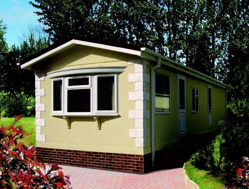 2 Bedrooms Detached Bungalow for sale in Redlands Park, Lighthorne, Warwick, Warwickshire, CV35 0AQ