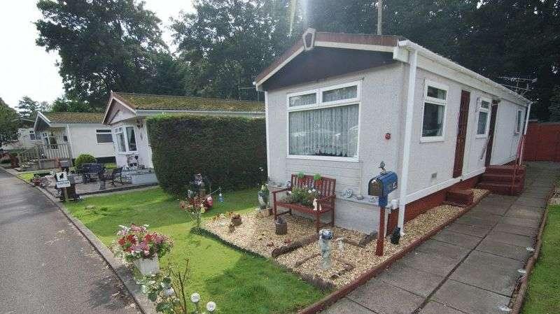 2 Bedrooms Property for sale in Wood Green, Mowbreck Park, Wesham PR4 3JS