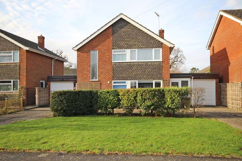 3 Bedrooms Detached House for sale in Kenilworth Close, New Milton