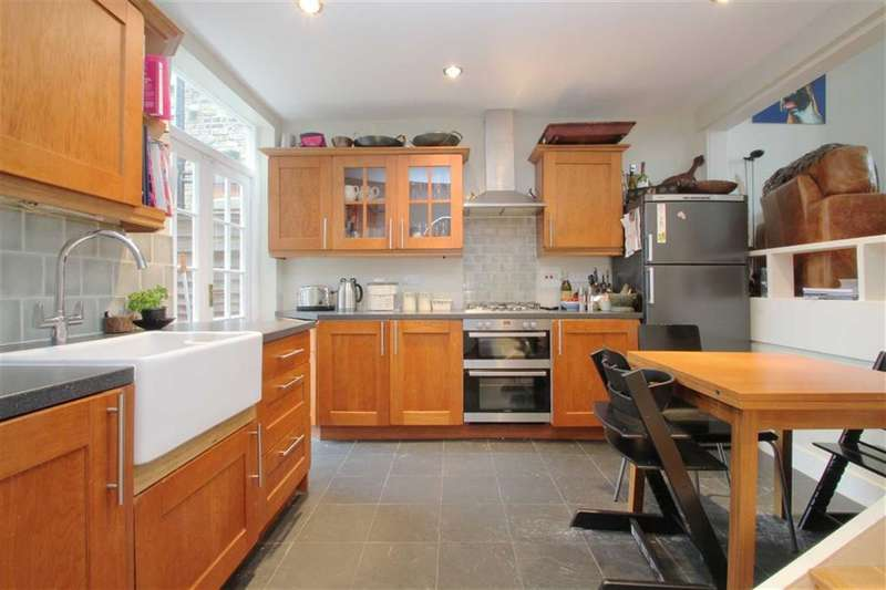 2 Bedrooms Flat for sale in Stephendale Road, Fulham, London, SW6