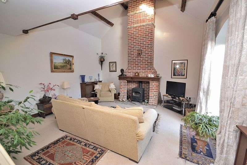 3 Bedrooms Detached House for sale in Home Farm, Park Road, Tring