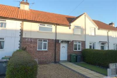 2 Bedrooms Terraced House for rent in Valley Road, Bromborough