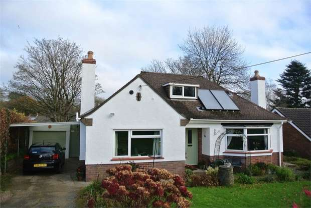 3 Bedrooms Detached Bungalow for sale in Penywaun Road, St Dials, Cwmbran