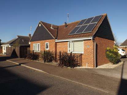 3 Bedrooms Bungalow for sale in West Mersea, Colchester, Essex