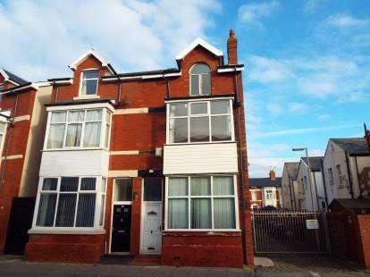 4 Bedrooms Semi Detached House for sale in Kent Road, Blackpool, Lancashire, FY1
