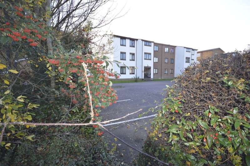 2 Bedrooms Flat for sale in Burley House, Queens Drive, Abbots Langley, WD5