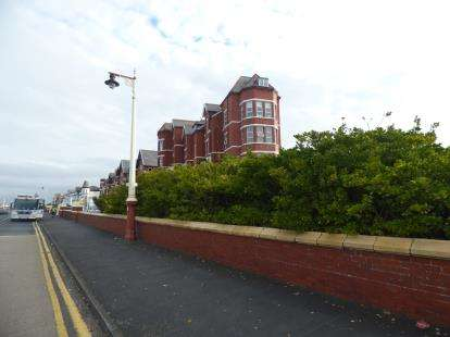 2 Bedrooms Flat for sale in The Avondale, 62 Promenade, Southport, Merseyside, PR9