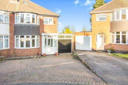 3 Bedrooms Semi Detached House for sale in Kendal Avenue, Coleshill, Birmingham, Warwickshire