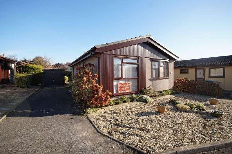 2 Bedrooms Detached Bungalow for sale in Upper Cornaway Lane, Portchester, Fareham, PO16