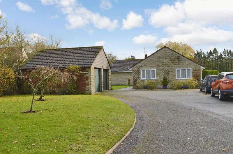 4 Bedrooms Detached Bungalow for sale in Rook Street, Mere
