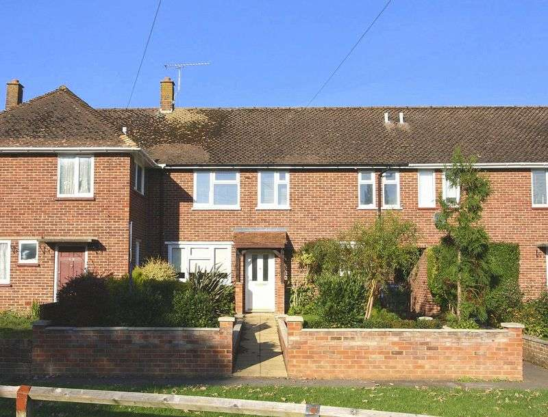 3 Bedrooms Terraced House for sale in Lincoln Road, Maidenhead