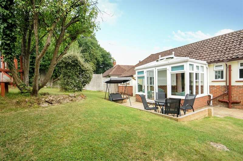 3 Bedrooms Detached House for sale in Horsham Road, Beare Green, Dorking, RH5
