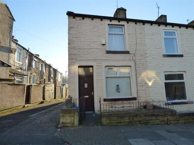 3 Bedrooms End Of Terrace House for sale in St Johns Road, Burnley