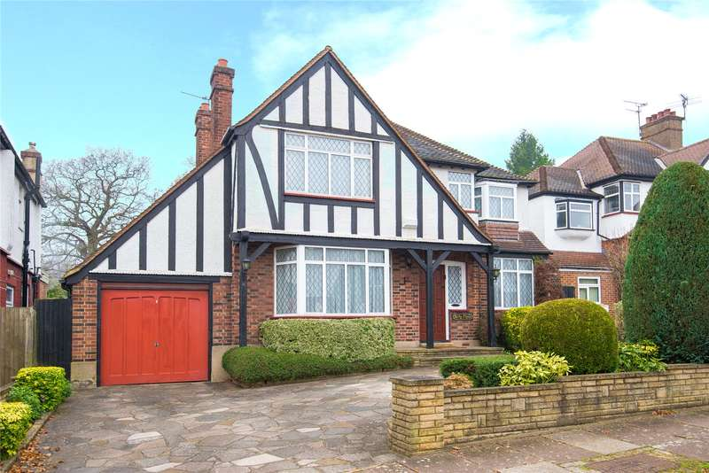 4 Bedrooms Detached House for sale in Parkside Drive, Edgware, HA8