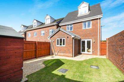 4 Bedrooms Detached House for sale in Covington Drive, St. Helens, Merseyside, WA9