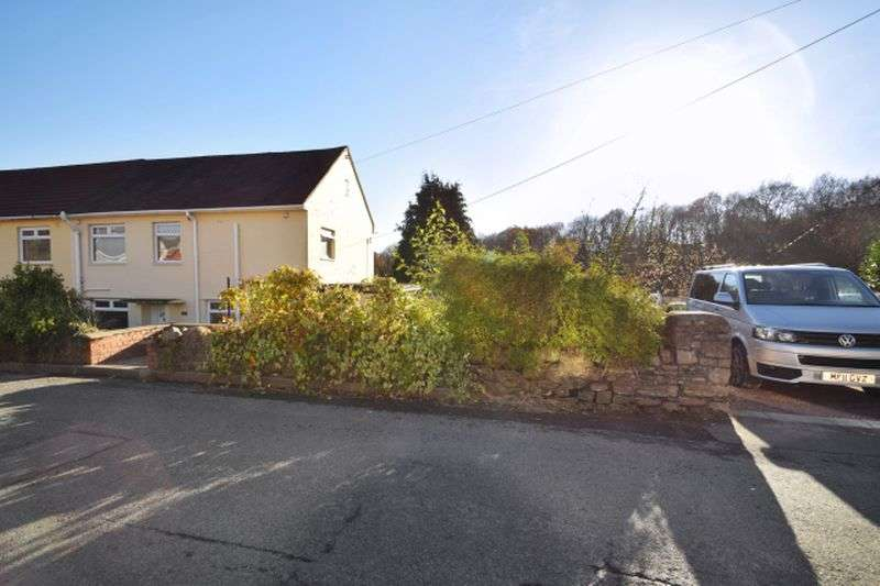 4 Bedrooms Semi Detached House for sale in Victoria Road, Abersychan, Four Bedrooms