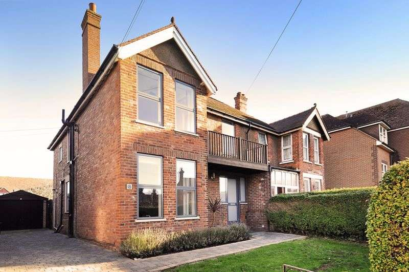 4 Bedrooms Semi Detached House for sale in Goda Road, Littlehampton