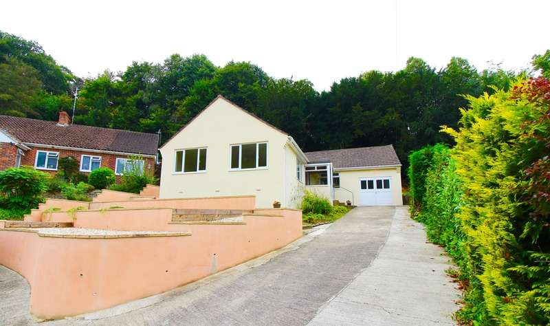 3 Bedrooms Bungalow for sale in Southwoods, Yeovil, Somerset, BA20