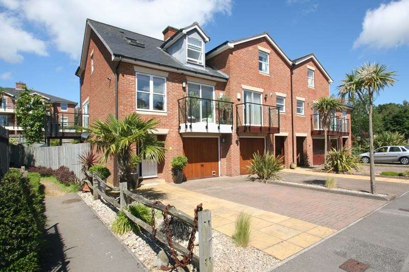 4 Bedrooms End Of Terrace House for sale in Marina Drive, Southampton