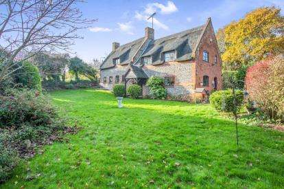 4 Bedrooms Detached House for sale in North Walsham, Norfolk, North Walsham