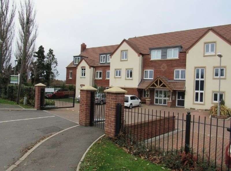 2 Bedrooms Flat for sale in Salmon Court,Stratford Road, Warwick: Two bed, two bathroom ground floor retirement apartment