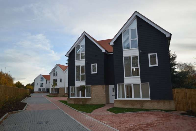 4 Bedrooms Semi Detached House for sale in The Old Goods Yard, Neames Forstal , Faversham, ME13
