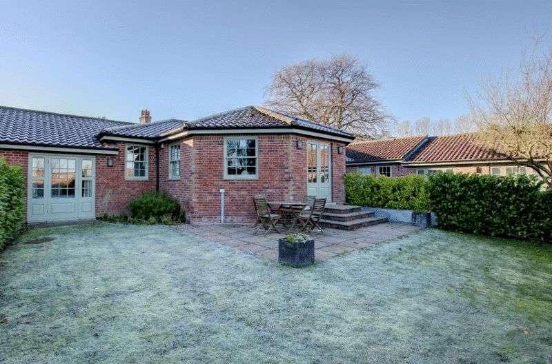 3 Bedrooms Cottage House for sale in Walsingham, Norfolk