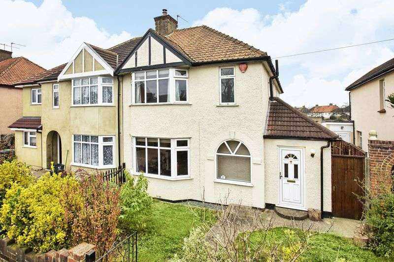 3 Bedrooms Semi Detached House for sale in Hoddesdon, Hertfordshire