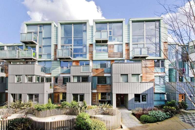 2 Bedrooms Flat for sale in Peacock Place, Laycock Street, N1