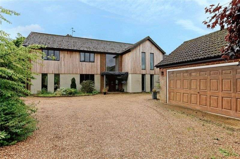 4 Bedrooms Detached House for sale in South Heath