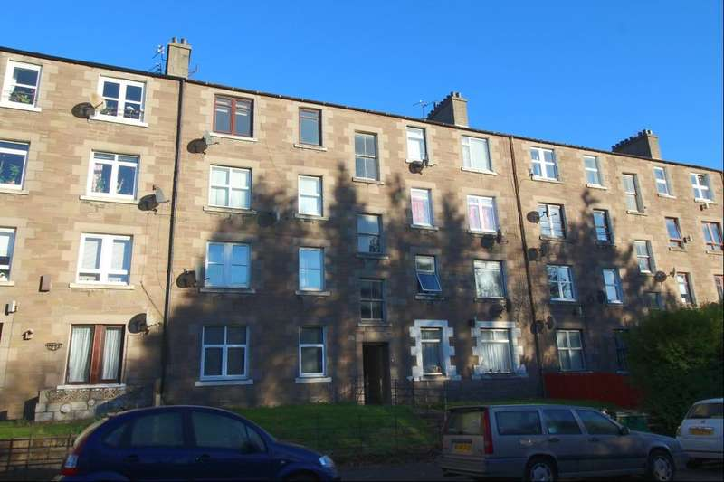 2 Bedrooms Flat for sale in Dens Road, Dundee, DD3