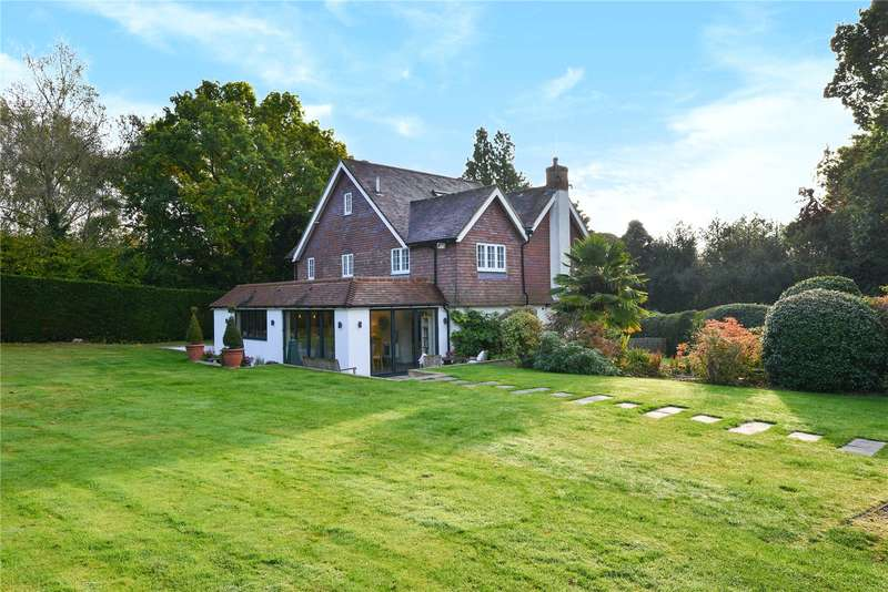 5 Bedrooms Detached House for sale in High Street, Maresfield
